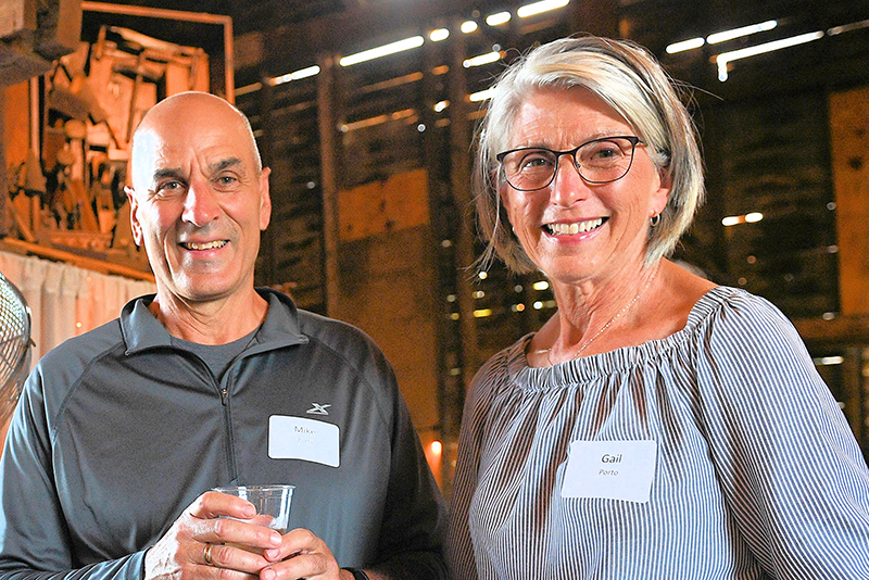 Foundation Recognizes Donors